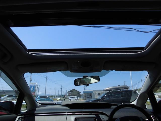 トヨタ プリウス S ソーラパネルSR ナビ テレビ ETC 車高調 社外19