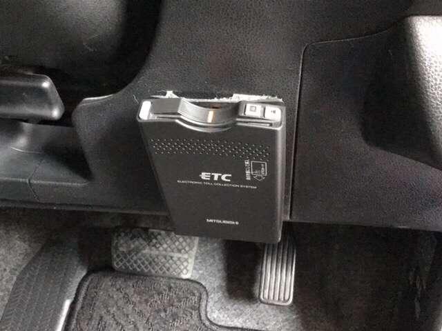 スマートセレクション 横滑り防止装置 ETC CD アルミ AW アイドルストップ キーフリ AC CD VSA クルコン ETC インテリジェントキー ディスチャージヘッドランプ 盗難防止 ABS(7枚目)