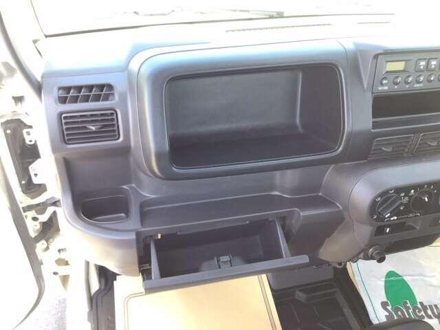 アタック エアコン ラジオ パワーウィンドウ AC 運転席エアバッグ キーレス付 パワーウィンド フルタイム4WD P/S(7枚目)