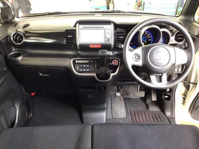 G・Lパッケージ 横滑り防止装置 メモリーナビ アルミ アルミ 後カメラ CDチューナー HIDライト ナビTV メモリーナビ DVD 4WD ETC ABS ワンセグ ベンチシート アイドリングストップ キーレス(15枚目)