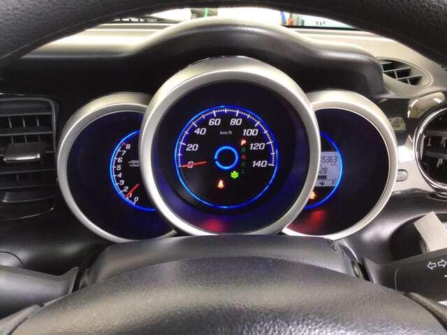 G・Lパッケージ 横滑り防止装置 メモリーナビ アルミ アルミ 後カメラ CDチューナー HIDライト ナビTV メモリーナビ DVD 4WD ETC ABS ワンセグ ベンチシート アイドリングストップ キーレス(16枚目)