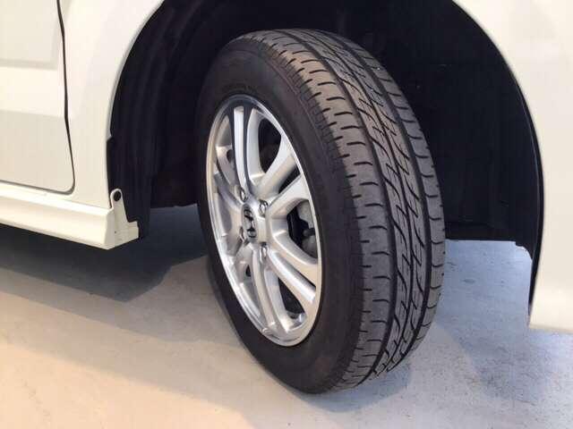 G・Lパッケージ 横滑り防止装置 メモリーナビ アルミ アルミ 後カメラ CDチューナー HIDライト ナビTV メモリーナビ DVD 4WD ETC ABS ワンセグ ベンチシート アイドリングストップ キーレス(19枚目)