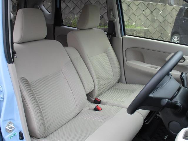 X SA 愛知県仕入4WD 禁煙車 衝突軽減システム スマートキー プッシュスタート USB ミュージックプレイヤー接続AUX CD再生オーディオ オートライト マットバイザー 純正14インチアルミホイール(12枚目)