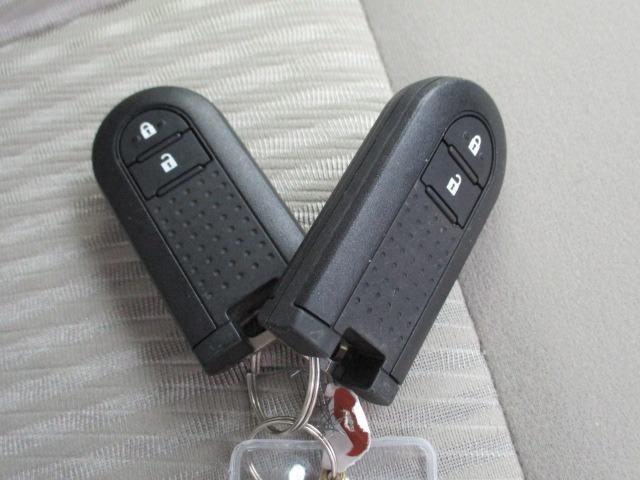 X SA 愛知県仕入4WD 禁煙車 衝突軽減システム スマートキー プッシュスタート USB ミュージックプレイヤー接続AUX CD再生オーディオ オートライト マットバイザー 純正14インチアルミホイール(31枚目)