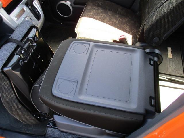 Fリミテッド 4WD SDナビ フルセグ CD DVD ブルートゥース バックカメラ 衝突被害軽減ブレーキ HIDライト オートライト シートヒーター(36枚目)