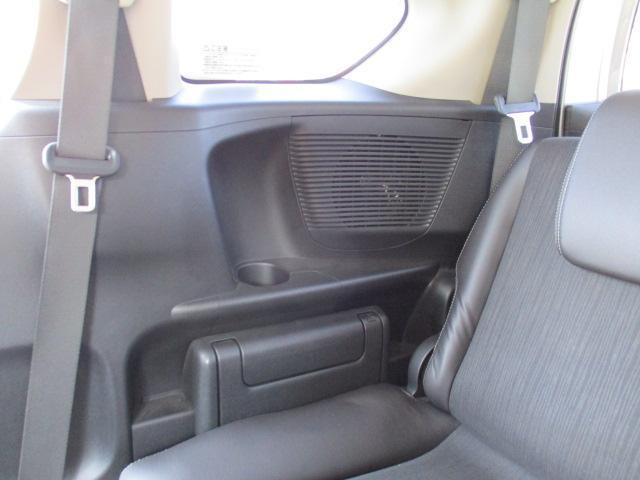 G プレミアムエディション 4WD 禁煙車 寒冷地仕様 両側電動スライドドア プレミアムインターナビ フルセグ バックカメラ フリップダウンモニター ハーフレザーシート クルーズコントロール ETC HIDライト(8枚目)