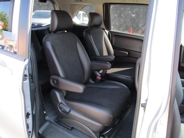 G プレミアムエディション 4WD 禁煙車 寒冷地仕様 両側電動スライドドア プレミアムインターナビ フルセグ バックカメラ フリップダウンモニター ハーフレザーシート クルーズコントロール ETC HIDライト(13枚目)