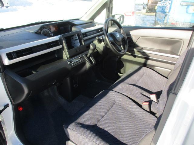 ハイブリッドFX 4WD! オーディオレス 衝突被害軽減装置 レーンアシスト オートマチックハイビーム ヘッドアップディスプレイ スマートキー シートヒーター(17枚目)