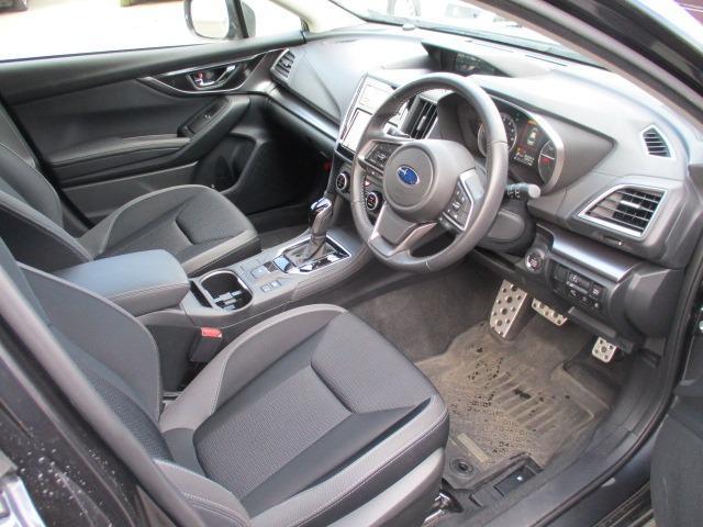 2.0i-Sアイサイト 4WD 衝突被害軽減システム プッシュスタート スマートキー SDナビ CD DVD再生 バックカメラ Bluetooth クルコン ETC LEDライト フォグ アイドリングストップ 純正アルミ(12枚目)