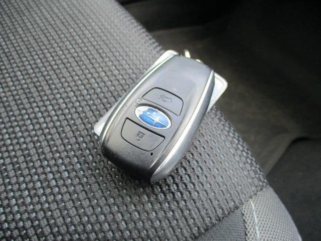 2.0i-Sアイサイト 4WD 衝突被害軽減システム プッシュスタート スマートキー SDナビ CD DVD再生 バックカメラ Bluetooth クルコン ETC LEDライト フォグ アイドリングストップ 純正アルミ(34枚目)