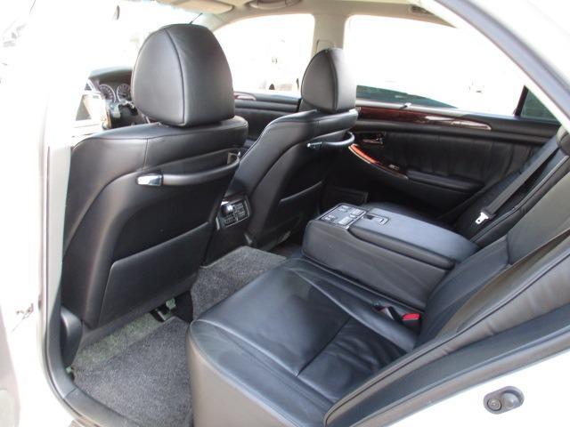 Cタイプ Fパッケージ スーパーチャージャー 340馬力 サンルーフ エアサス 革シート シートヒーター サンシェード バックカメラ ドライブレコーダー ETC シートメモリー CD DVD MD(18枚目)
