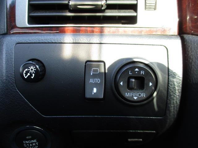 Cタイプ Fパッケージ スーパーチャージャー 340馬力 サンルーフ エアサス 革シート シートヒーター サンシェード バックカメラ ドライブレコーダー ETC シートメモリー CD DVD MD(27枚目)