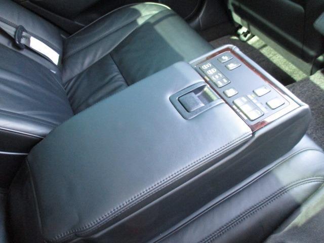 Cタイプ Fパッケージ スーパーチャージャー 340馬力 サンルーフ エアサス 革シート シートヒーター サンシェード バックカメラ ドライブレコーダー ETC シートメモリー CD DVD MD(51枚目)