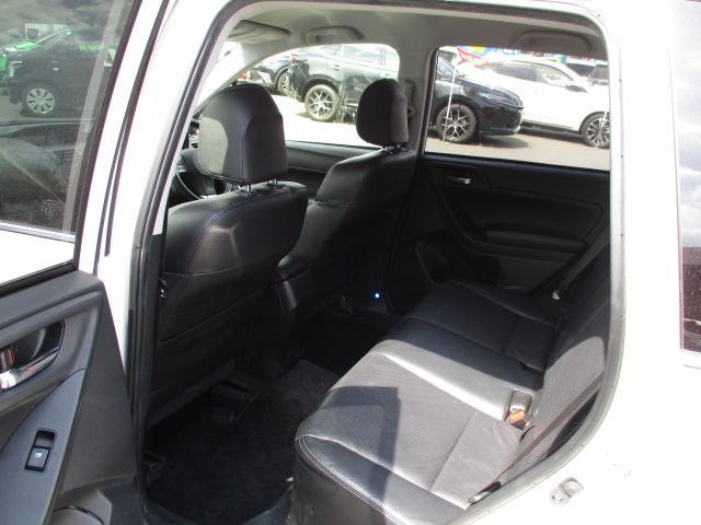 2.0XT 4WD 衝突被害軽減装置 レーンアシスト 追従クルコン HDDナビ CD DVD SD Bluetooth バックカメラ ETC パドルシフト リアフォグ レザーシート シートヒーター スマートキー(21枚目)