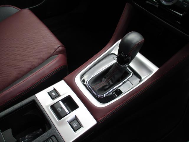1.6STIスポーツアイサイト 4WD 衝突被害軽減装置 レーンアシスト 追従クルコン サンルーフ SDナビ フルセグ CD DVD SD Bluetooth バックカメラ サイドカメラ 専用レザーシート パワーシート スマートキー(35枚目)