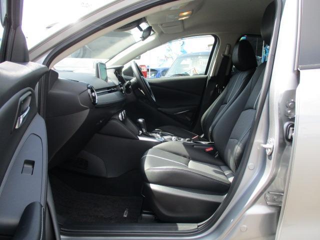 13Sブラックレザーリミテッド 4WD 衝突軽減装置 純正SDナビ ドライブレコーダー ETC シートヒーター フルセグ BLUETOOTHオーディオ バックカメラ CD DVD再生 AUX USB接続 LEDヘッドランプ フォグ(18枚目)