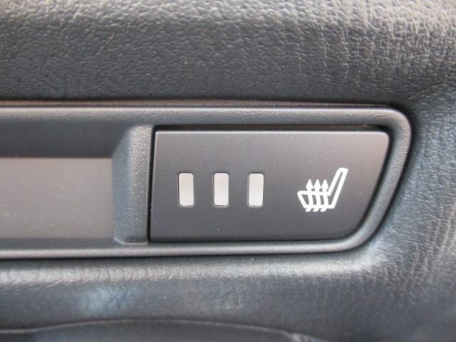 13Sブラックレザーリミテッド 4WD 衝突軽減装置 純正SDナビ ドライブレコーダー ETC シートヒーター フルセグ BLUETOOTHオーディオ バックカメラ CD DVD再生 AUX USB接続 LEDヘッドランプ フォグ(27枚目)