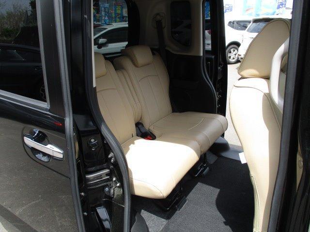 G ターボSSパッケージ 4WD 衝突被害軽減装置 両側電動スライドドア プッシュスタート スマートキー SDナビ CD DVD再生 フルセグバックカメラ Bluetooth ETC シートヒーター パドルシフト ステリモ(16枚目)