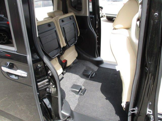 G ターボSSパッケージ 4WD 衝突被害軽減装置 両側電動スライドドア プッシュスタート スマートキー SDナビ CD DVD再生 フルセグバックカメラ Bluetooth ETC シートヒーター パドルシフト ステリモ(19枚目)