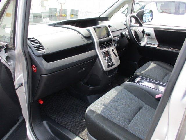 Si 4WD 寒冷地仕様 左側電動スライドドア HDDナビ CD DVD再生 バックカメラ Bluetooth HIDヘッドライト フォグ プッシュスタート スマートキー パドルシフト 17インチアルミ(18枚目)