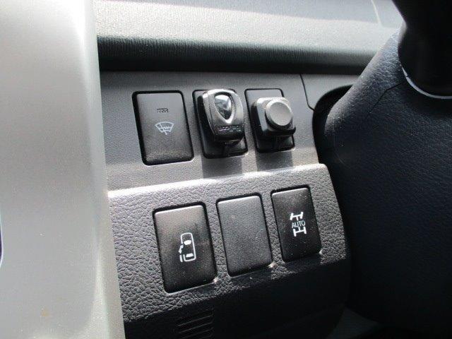 Si 4WD 寒冷地仕様 左側電動スライドドア HDDナビ CD DVD再生 バックカメラ Bluetooth HIDヘッドライト フォグ プッシュスタート スマートキー パドルシフト 17インチアルミ(35枚目)