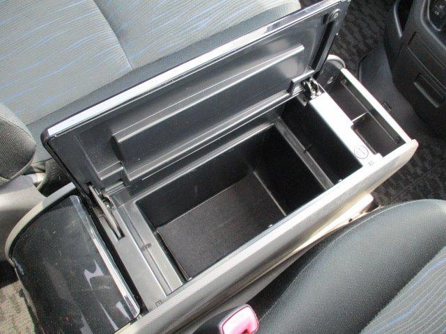 Si 4WD 寒冷地仕様 左側電動スライドドア HDDナビ CD DVD再生 バックカメラ Bluetooth HIDヘッドライト フォグ プッシュスタート スマートキー パドルシフト 17インチアルミ(39枚目)