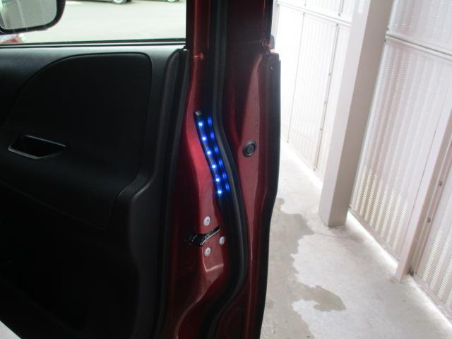ハイウェイスター 4WD 衝突被害軽減装置 レーンアシスト 追従クルコン 純正9インチSDナビ フルセグ CD DVD Bluetooth 全方位カメラ ETC 両側電動スライドドア スマートキー プッシュスタート(41枚目)