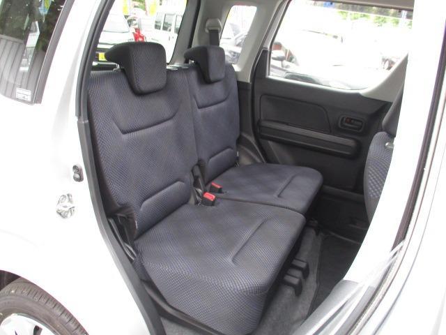 ハイブリッドFX 4WD 禁煙車 ヘッドアップディスプレイ ハロゲンライト 衝突被害軽減装置 シートヒーター 純正SDナビ CD DVD バックカメラ オートハイビーム オートエアコン(17枚目)