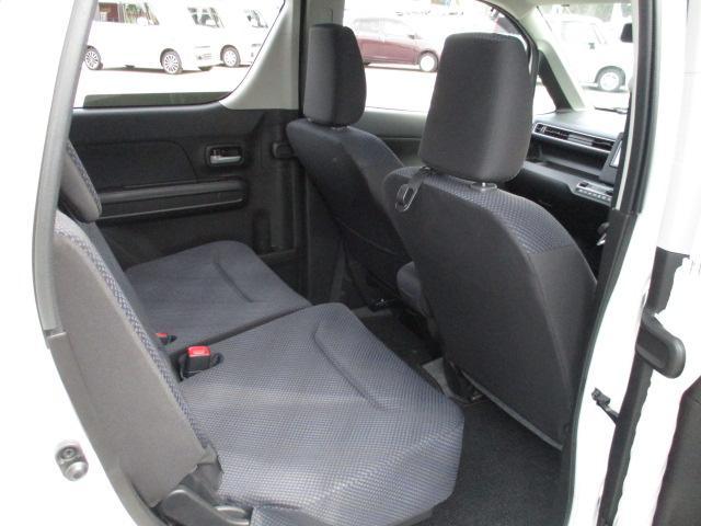 ハイブリッドFZ 4WD 衝突被害軽減装置 レーンキープアシスト ヘッドアップディスプレイ LEDヘッドライト SDナビ CD DVD再生 ワンセグ ステアリングリモコン プッシュスタート スマートキー 純正アルミ(11枚目)