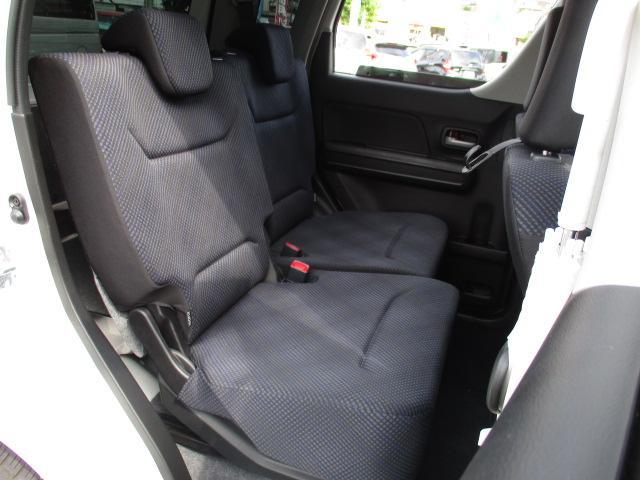 ハイブリッドFZ 4WD 衝突被害軽減装置 レーンキープアシスト ヘッドアップディスプレイ LEDヘッドライト SDナビ CD DVD再生 ワンセグ ステアリングリモコン プッシュスタート スマートキー 純正アルミ(12枚目)