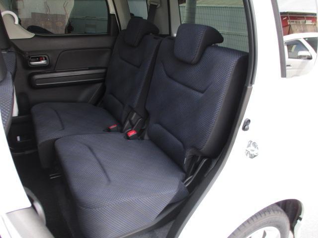 ハイブリッドFZ 4WD 衝突被害軽減装置 レーンキープアシスト ヘッドアップディスプレイ LEDヘッドライト SDナビ CD DVD再生 ワンセグ ステアリングリモコン プッシュスタート スマートキー 純正アルミ(19枚目)