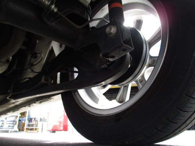 ハイブリッドFZ 4WD 衝突被害軽減装置 レーンキープアシスト ヘッドアップディスプレイ LEDヘッドライト SDナビ CD DVD再生 ワンセグ ステアリングリモコン プッシュスタート スマートキー 純正アルミ(38枚目)