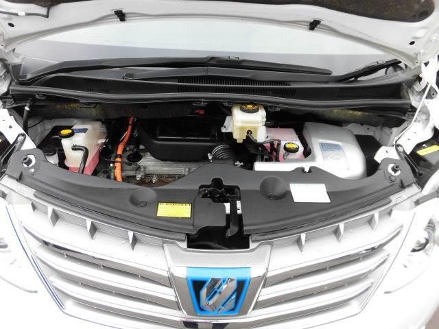 トヨタ アルファードハイブリッド X 4WD