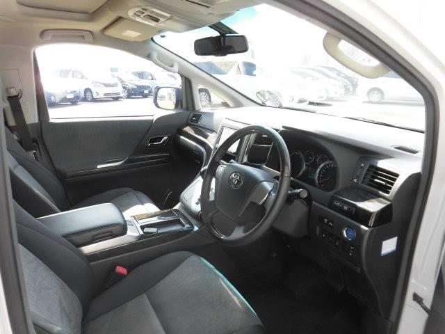 トヨタ ヴェルファイアハイブリッド ZR 4WD HV