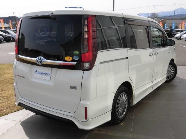トヨタ エスクァイア Gi HV