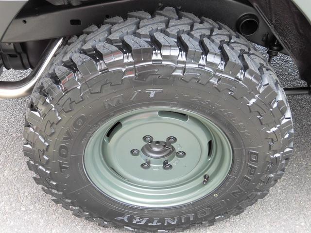 無論タイヤも新品です。