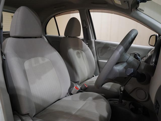 ★屋内展示場完備なので、雨の日でも最適なコンディションでご覧いただけます。もちろん夕方以降でも明るい場所で現車確認できるので、ご来店時の条件を選ばず、しっかりとお車を確認できます!