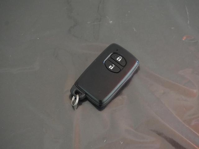 スマートキーです!施錠開錠キーレス操作不要です!