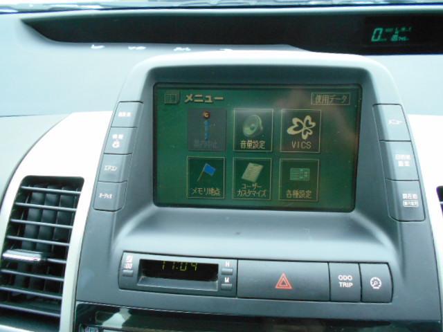 純正ナビ・フルセグチューナー!車内のクリーニングもお任せください!特にシートは汚れが堆積しやすい場所です、納車前にスッキリ綺麗な状態にできますのでご相談ください!
