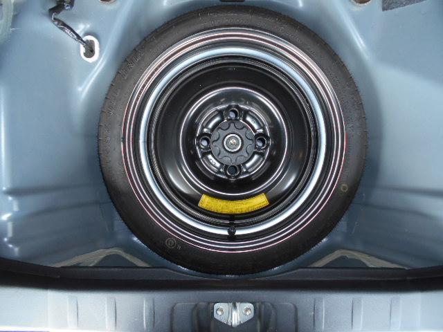カスタムG アイドリングストップ HIDライト フォグライト 社外オーディオ 純正14インチアルミホイール 手動リフター スマートキー ウインカー付き電動ドアミラー プライバシーガラス フロアマット(49枚目)