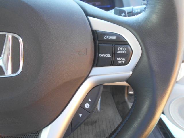 オートクルーズ機能付。高速走行時に速度設定をすると、アクセルを踏まなくてもスピード維持が可能です!無駄な加減速もなくなります。独自ローン有ります!0120-18-1190♪