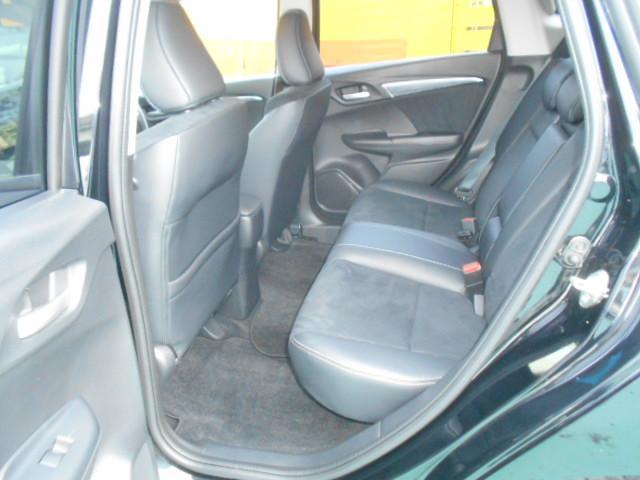 ☆内装美車☆ダッシュボードもシートも当然キレイ・清潔に仕上げております。内装のキレイなお車は気持ちがいいですし、コンディションのいい車が多いんです。独自ローン有ります!0120−18−1190♪
