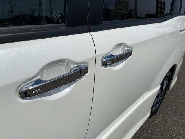 ZS 煌III ハーフレザー 両側電動スライドドア両側電動ドア 7人乗り クリアランスソナー 16インチアルミ 衝突安全 クルーズコントロール LEDヘッドライト&フォグ 新車オーダー(21枚目)