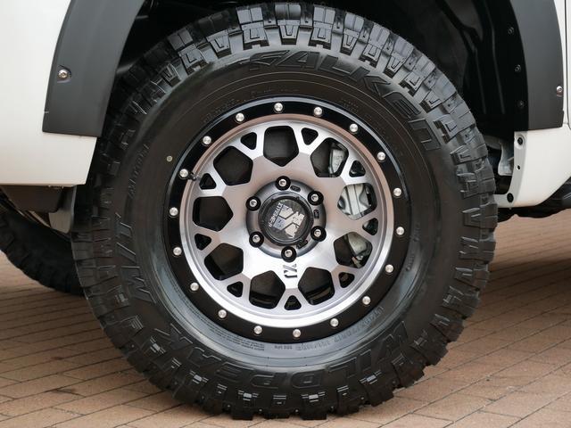 TX 新車金利1.9パーセント クリーンディーゼル TX メーカーオプション込み 新車カスタムPKG 各部ブラックアウト 2インチUP オープンRT ガンメタ17インチAW ブラウンレザーシートカバー サン(8枚目)