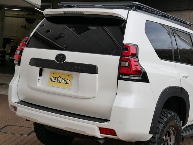 TX 新車金利1.9パーセント クリーンディーゼル TX メーカーオプション込み 新車カスタムPKG 各部ブラックアウト 2インチUP オープンRT ガンメタ17インチAW ブラウンレザーシートカバー サン(9枚目)