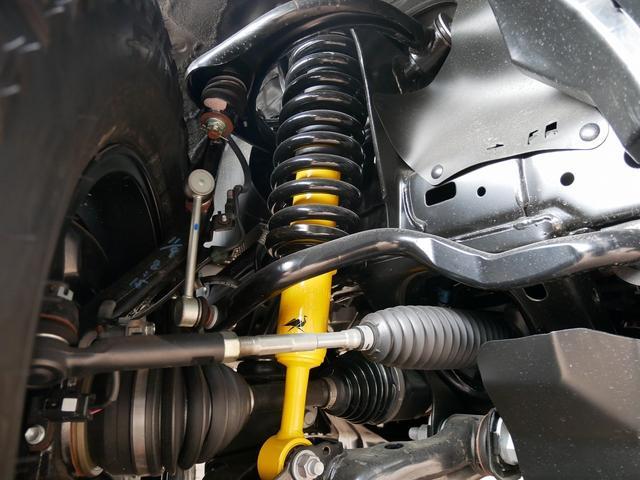 TX 新車金利1.9パーセント クリーンディーゼル TX メーカーオプション込み 新車カスタムPKG 各部ブラックアウト 2インチUP オープンRT ガンメタ17インチAW ブラウンレザーシートカバー サン(10枚目)