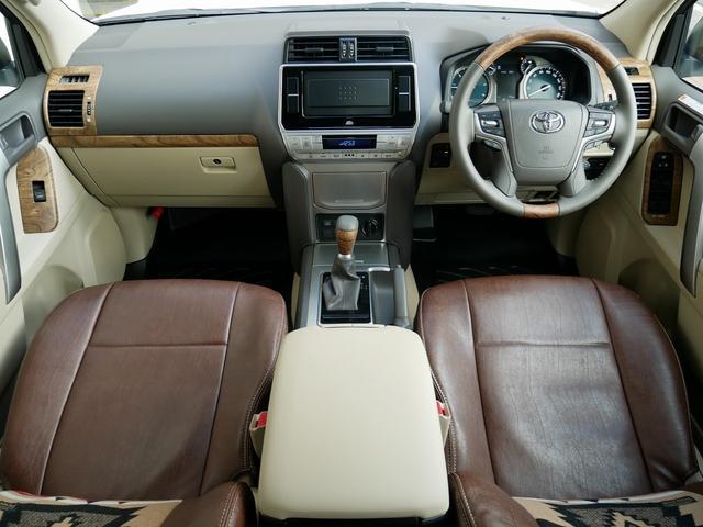 TX 新車金利1.9パーセント クリーンディーゼル TX メーカーオプション込み 新車カスタムPKG 各部ブラックアウト 2インチUP オープンRT ガンメタ17インチAW ブラウンレザーシートカバー サン(13枚目)