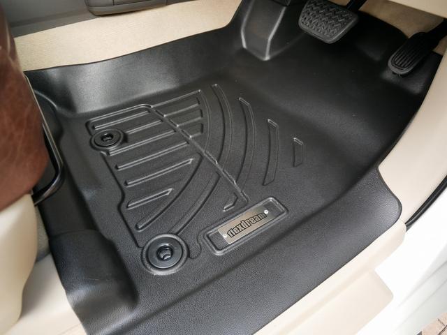 TX 新車金利1.9パーセント クリーンディーゼル TX メーカーオプション込み 新車カスタムPKG 各部ブラックアウト 2インチUP オープンRT ガンメタ17インチAW ブラウンレザーシートカバー サン(19枚目)