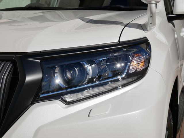 TX 新車金利1.9パーセント クリーンディーゼル TX メーカーオプション込み 新車カスタムPKG 各部ブラックアウト 2インチUP オープンRT ガンメタ17インチAW ブラウンレザーシートカバー サン(38枚目)