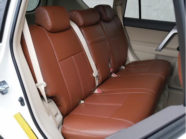 TX 新車金利1.9パーセント クリーンディーゼル TX メーカーオプション込み 新車カスタムPKG 各部ブラックアウト 2インチUP オープンRT ガンメタ17インチAW ブラウンレザーシートカバー サン(48枚目)